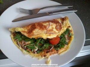 Omelet met gerookte speckjes makkelijk, voedzaam en snel gemaakt!