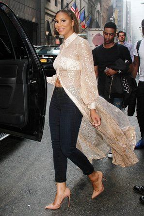 Tamar Braxton - 12 Times Tamar Braxton's Chic Style Proved Less Is More