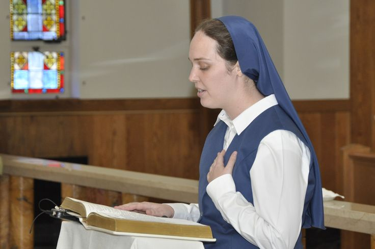 Sister Carly professing first vows in the Congregation of the Daughters of St. Paul