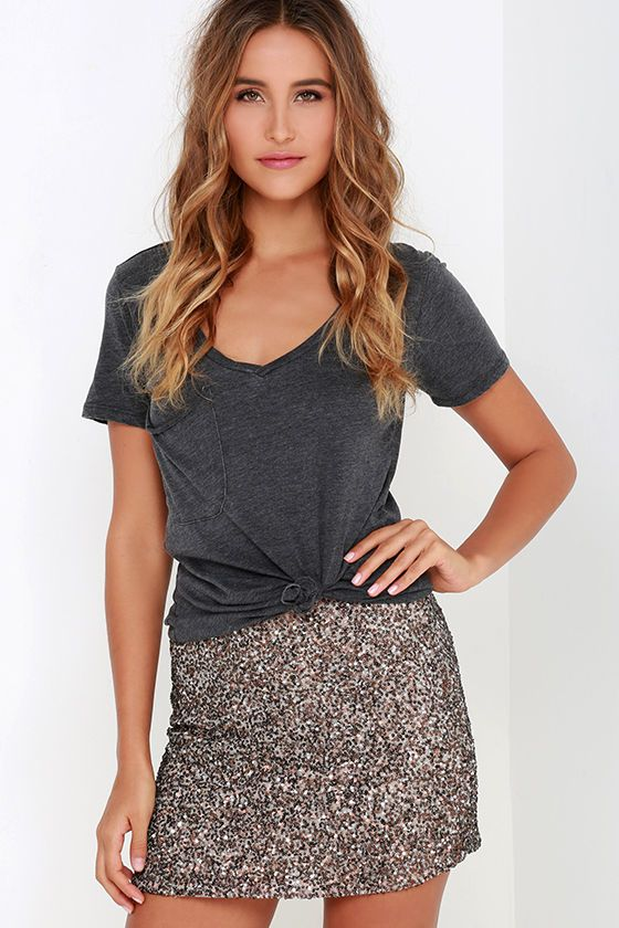 Get your glitz on with a little bit of help from the Billabong Showin' Off Bronze Sequin Skirt