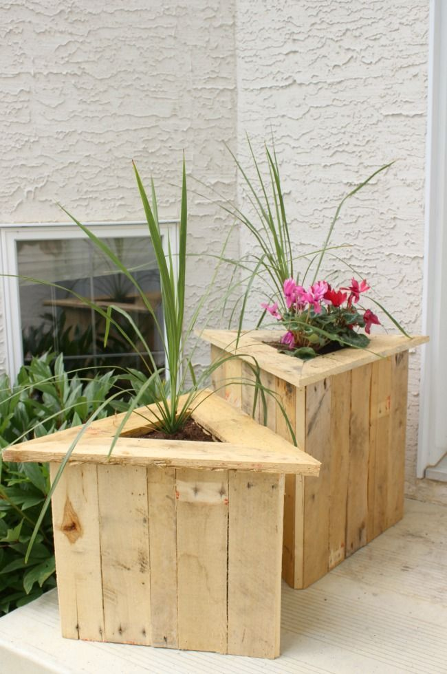 Build Your Own Triangle Pallet Planters Wood Pallet Planters Diy Pallet Projects Diy Outdoor Wood Projects