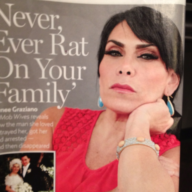 Just spotted Renee Graziano from Mob Wives in the April 2nd issue of Us Weekly wearing our Sunset bangle (soon to be discontinued)!  Hurry while they last!  Once they are sold out, they are gone for good!:(   Shop online at www.stelladot.com/bishposh