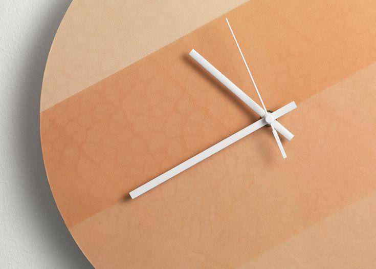 Настенные часы из кожи, Lina Patsiou