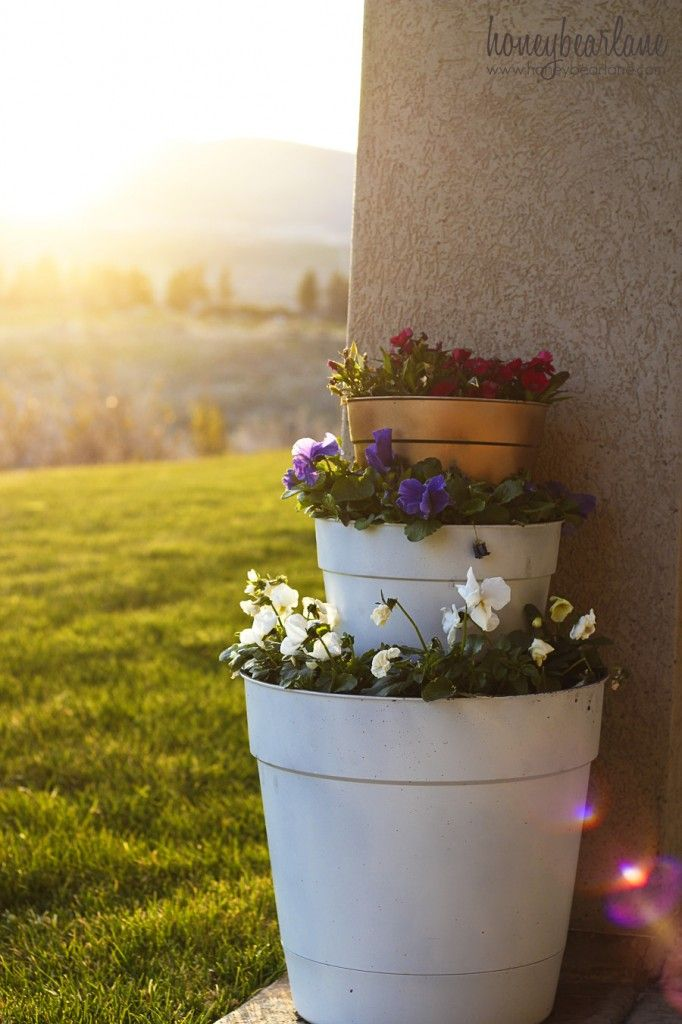 Make an easy and inexpensive tiered planter!
