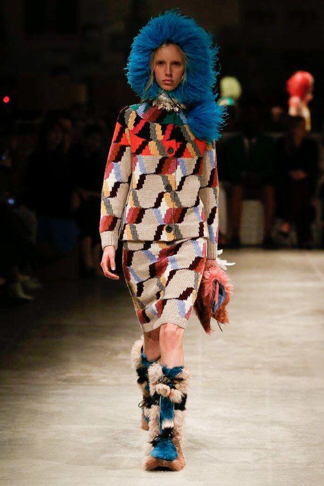 Prada Fall 2017 Ready-to-Wear Fashion Show - Jessie Bloemendaal