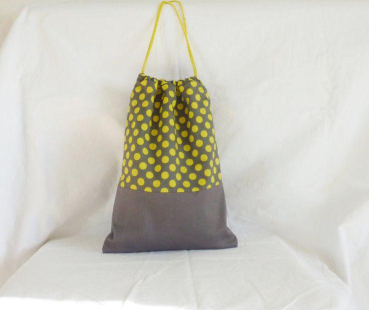 Sac à coulisse gris et jaune, sac fourre-tout, sac enfant, sac à doudou, poche, sac à goûter, pochon de rangement, tissu Michael Miller de la boutique mylmelo sur Etsy