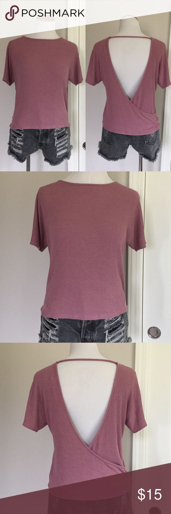 Open Back Tee Dusty rose color In excellent condition