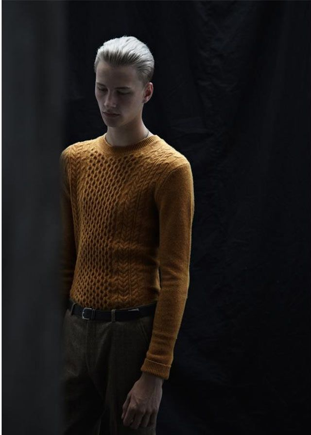 The look is smart with a modern twist – slimline silhouettes and trend-led detailing. Mix up fabrics and textures for a stylish approach to autumnal dressing. Shop the Topman Lambswool collection.: Modern Twists, Topman Lambswoolcollect, Slimlin Silhouette, Benjamin Jarvi, Posts, Fabrics, The Topman Lambswool, Topman Lambswool Collection, Benjaminjarvi