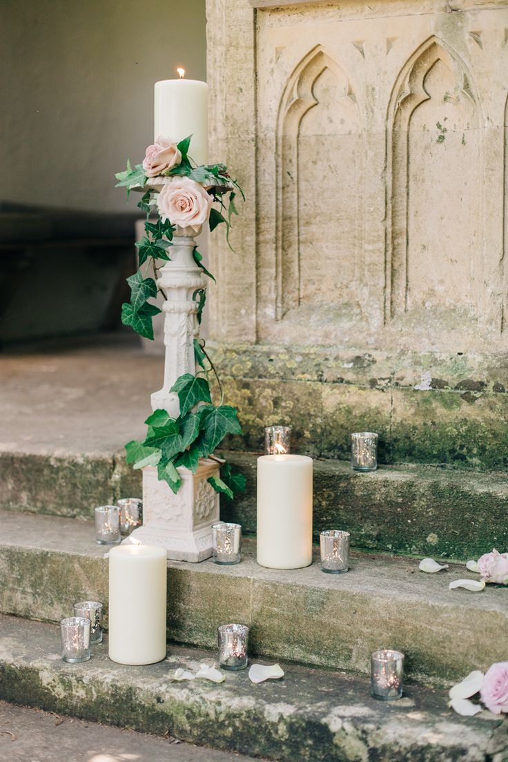 intimate wedding venues south england%0A Fashionable English Garden Wedding at Barnsley House