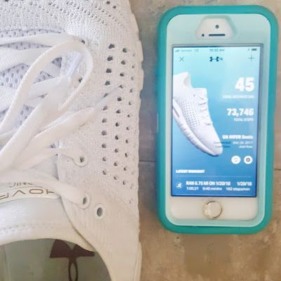 Under Armour's HOVR Sonic running shoes have a built-in sensor in the sole that tracks distance, cadence, pace, stride length and other data on outdoor and even treadmill runs. This data is stored and easily synced up to your device after the run or you can have the app open while running too. #bibchat #bibravepro #uarunning #UAHOVR