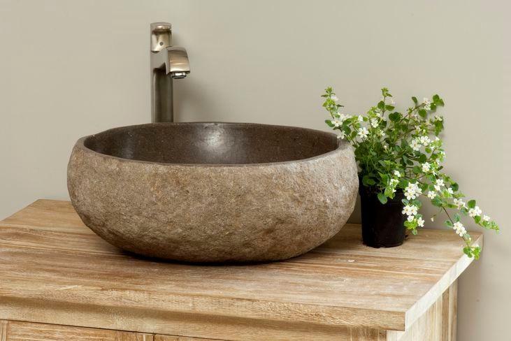 Stenen waskom, misschien in toilet?
