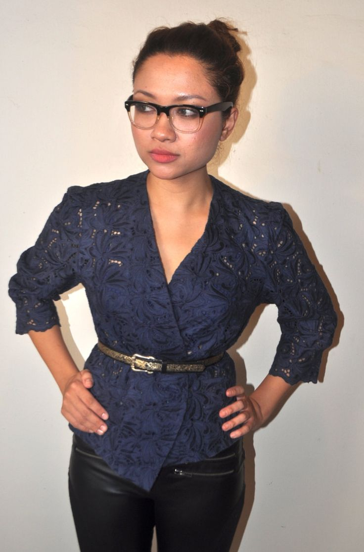 60s modern lace fusion top.