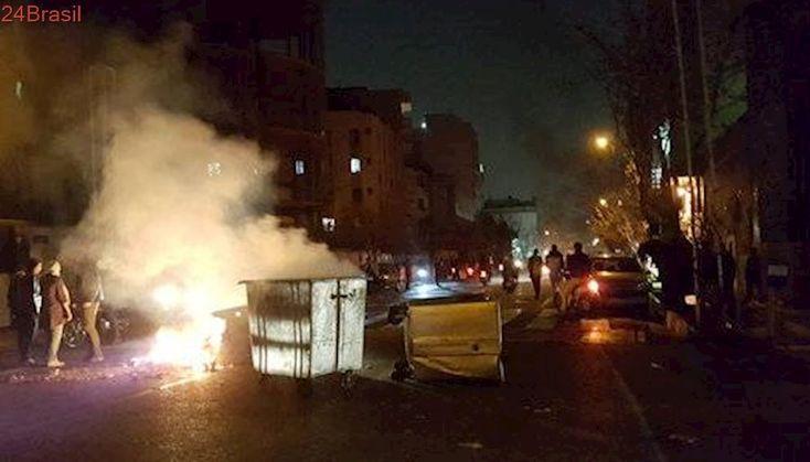 Série de protestos no Irã tem ao menos dois mortos