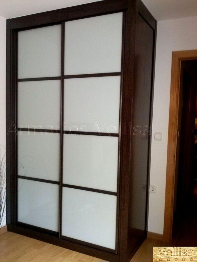 Resultado de imagen de puerta armario wengue y cristal blanco