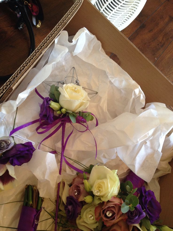 Flower Girls Star Wand decorated with Avalanche Rose and Purple Lisianthus