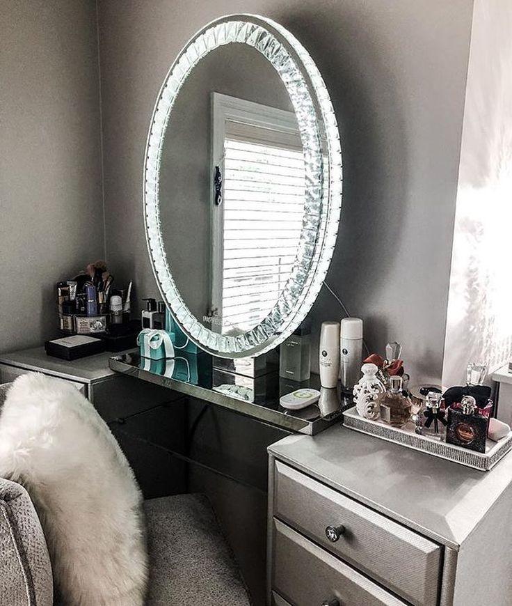 Diamond Collection Oval Premium Illuminated Vanity Mirror