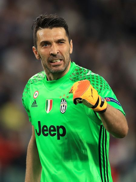 Gianluigi Buffon of Juventus celebrates after his side score their first goal during the UEFA Champions League Semi Final second leg match between Juventus and AS Monaco at Juventus Stadium on May 9, 2017 in Turin, Italy. (Photo by Richard Heathcote/Getty Images) *** Local Caption *** Gianluigi Buffon