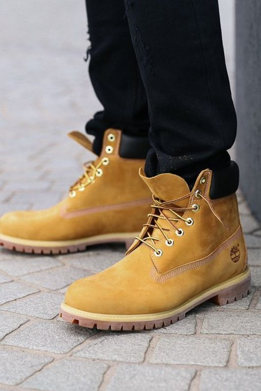 Timberland Boots Buck Wheat  Timberlands are a staple in millions of closets, mudrooms and garages around the globe including that of street royalty including Jay Z, Kanye West, Rihanna, Pharrell Williams and so many more. Timberland have made a few improvements over the years, such as the addition of exclusive anti-fatigue technology for all-day comfort, but the solid basics stay the same and Timberland remain just as sturdy and dependable as ever.  - Premium leather uppers - Direct-attach…