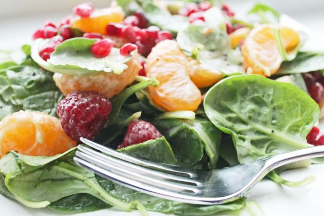 HEALTHY EATING IDEA: FRUIT TOPPED SALAD IN ORGANIC POPPYSEED DRESSING