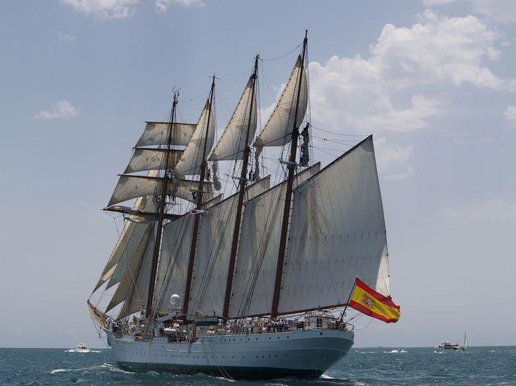 El buque escuela de la armada Española Fernando Magallanes