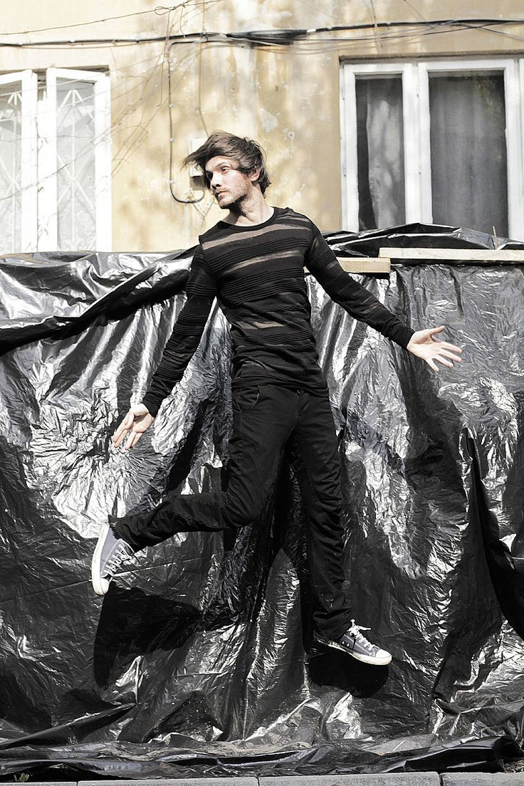 The-Fashion-Jumper---black-on-black1
