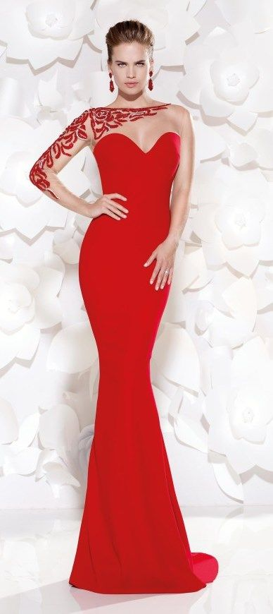 1000  images about Gorgeous Red Dresses on Pinterest - Lady in red ...