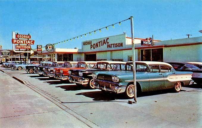 1958 Pontiacs at dealership