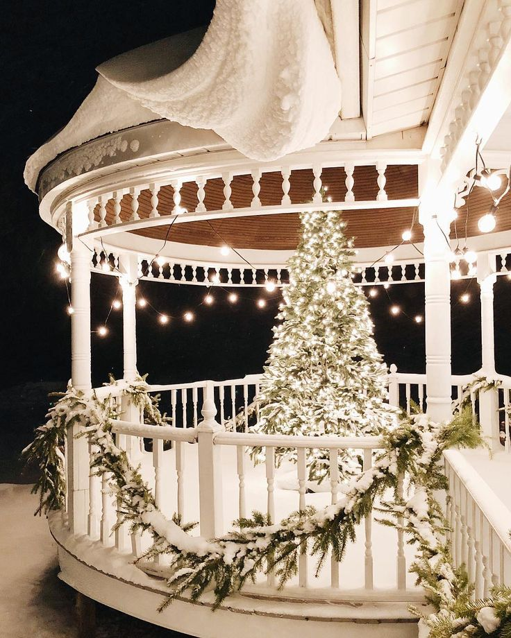 Yule style!! Noel Christmas!! Gorgeous White Christmas Outdoor Holiday Tree on a Very Pretty Snow Covered Porch!!