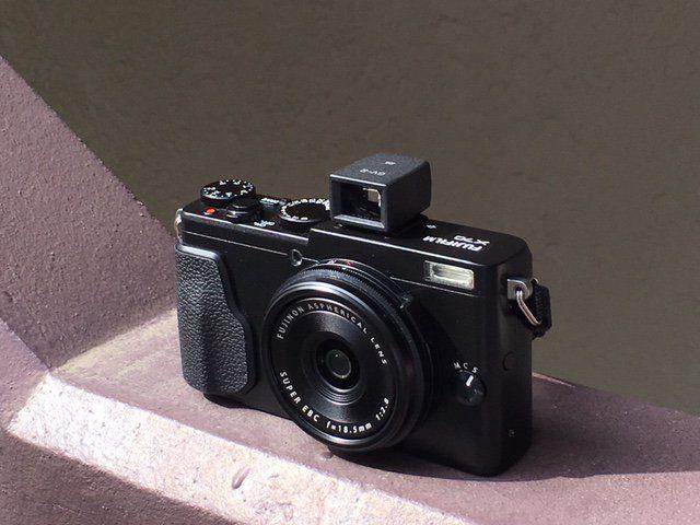 Fuji Film X70+GV-2