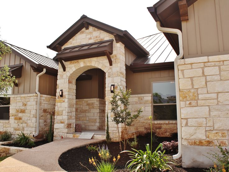 Best Detailed Exterior Limestone Work Metal Roofing On One Of 640 x 480
