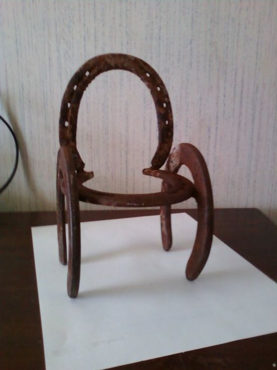 35 best horseshoe crafts images on pinterest horse shoes for Old horseshoe projects