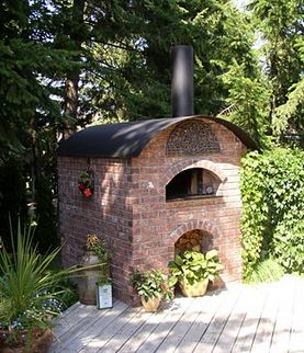 Barrel wood oven with a  pizza oven