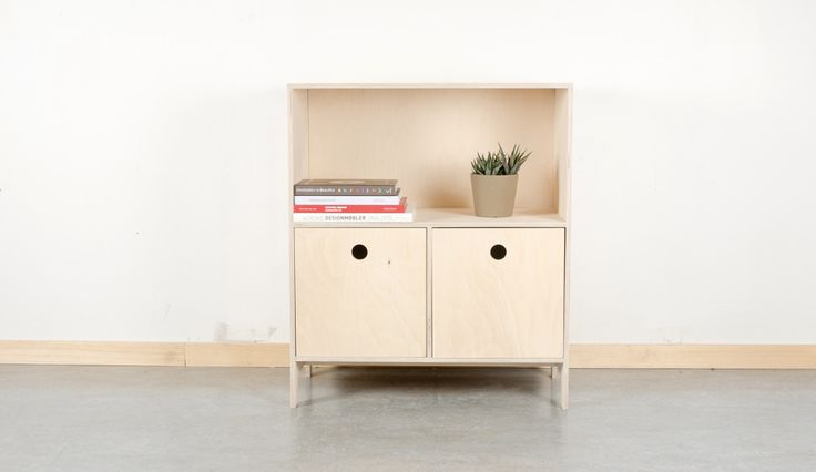 This is the module Storemann, from the Villmann furniture system. We have designed small storage boxes that will fit into the shelving units. This way it is possible to store your mess away, and at the same time modify the look of the system. #woodwork #furnituredesign #moduel #Fimbuldesign By FimbulDesign