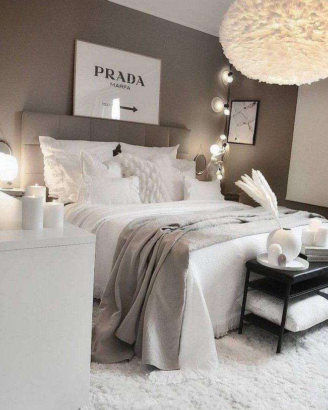 Le Gris Est Il Une Bonne Couleur Pour Peindre Une Chambre A Coucher Parlons En Le Gris Est Il Une Bonne In 2020 Bedroom Interior Aesthetic Bedroom Luxurious Bedrooms