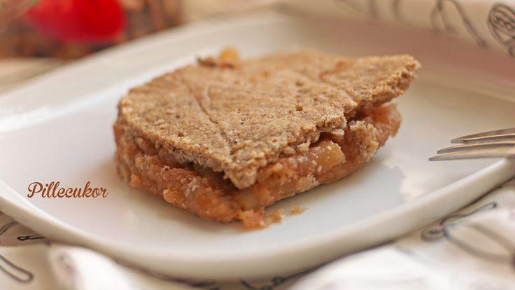 Igazi békebeli almás pite, 90 % alma 10 % tészta, úgy ahogy kell, mennyei ;). Hozzávalók A tésztához: 150 g zab (kávédarálón le...