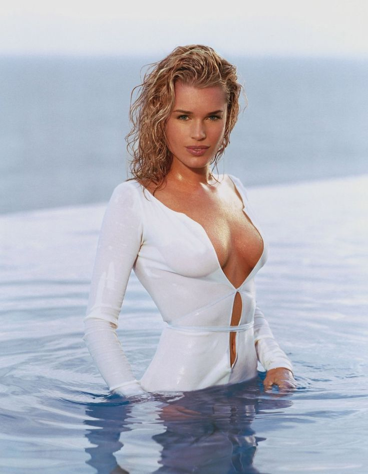 The sophisticated Rebecca Romijn ...Appetizing Charm...