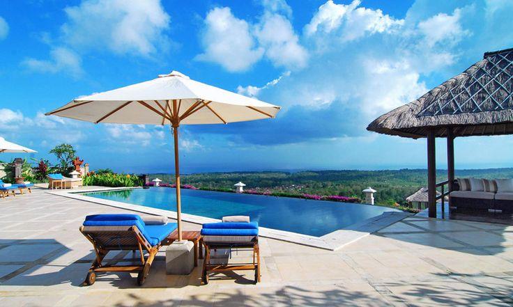 Villa Puri Balangan, located at Balangan Jimbaran offers excellent views of the ocean. Villa Puri Balangan is spacious and very luxurious.