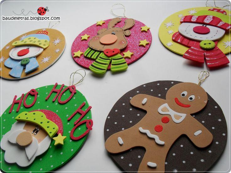 Aqui tienes más adornos navideños en gomae eva foamy para decorar el árbol o tu hogar, con las infaltables figuras navideñas: muñeco de nieve, galleta de j
