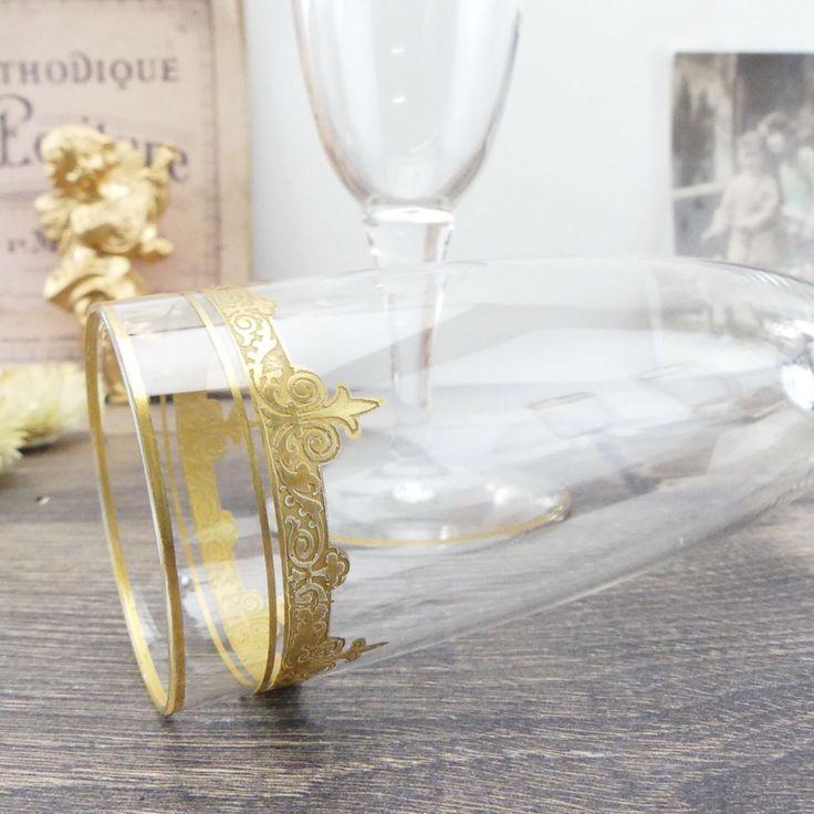 Flûtes à champagne en Cristal - 6 Verres à champagne - 6 Coupes à champagne en cristal - Cristal - Luxe français - Champagne - Paris par ChezUlysseVintage sur Etsy https://www.etsy.com/fr/listing/506134328/flutes-a-champagne-en-cristal-6-verres-a