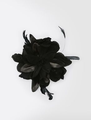 MAX MARA: spilla a fiore in seta.