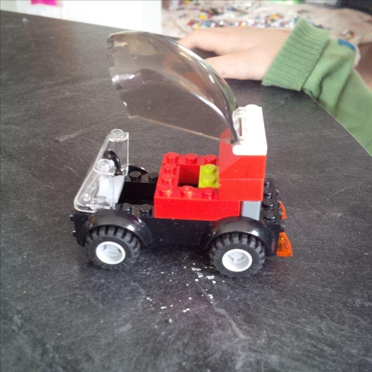 Voiture lego fait par C
