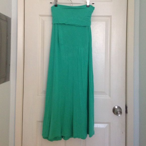 Mint Maxi Skirt Convertible maxi skirt. Slightly sheer. Good condition. Purchased at Ross. Perfect for summer! Skirts Maxi