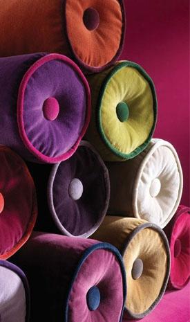KISS VELOURS by LORCA: A beautifully soft plain-cotton velvet in twenty-five colours including rich jewel tones and versatile neutrals. It has a stain resistant finish.