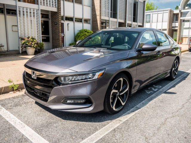 The 2018 Honda Accord Proves There S Still Life In The Family Sedan 2018 Honda Accord Honda Accord Honda Accord Sport