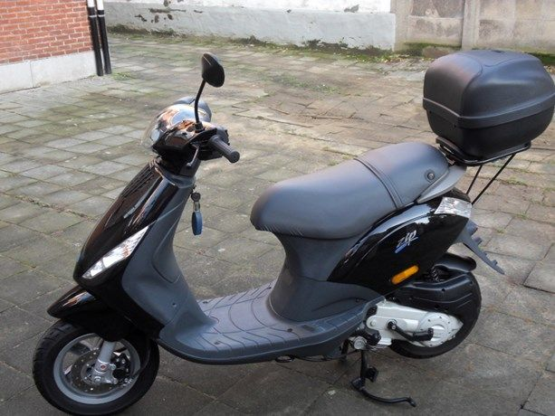Jong meisje steelt scooter na afspraak via zoekertjessite