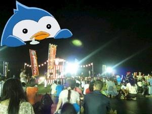 祭りのクライマックスは、陸海空のエイサーチームによる力強い演舞。シビレましたー