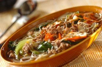 炒めても、スープで煮ても美味しいビーフン。具材がたっぷりで食べ応え十分です。