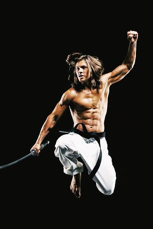 Leo Howard Muscles 1000+ images about kic...