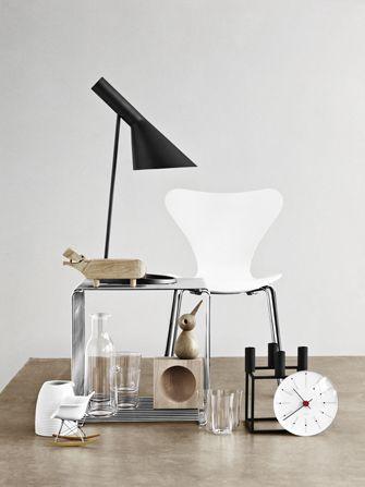 Via Line Klein | Arne Jacobsen Chair and Light | By Lassen Kubus | Architectmade Bird | Mini Eames