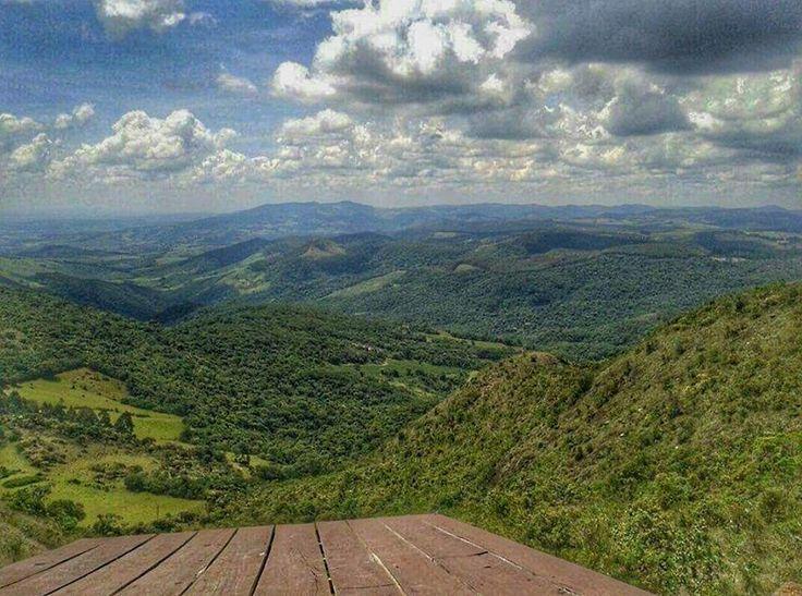 Pico do Gavião - Andradas (MG) - Foto: Samara Roberta # Brasil # Minas Gerais # Montanhas # Panorâmica